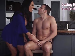 Horny Milf Reagan Foxx Trying To Fuck Stepson's Big-dick