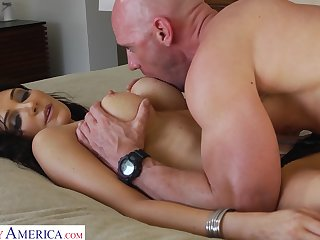 Hot AF curvy brunette cowgirl Diana Prince is happy to ride cock