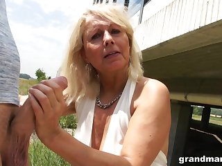 Sinful mature bitch in white stuff desires to give a sensual blowjob