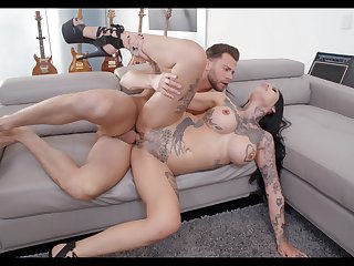 Hard sex for the tattooed mommy with the next door neighbor