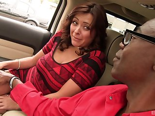 Black person with a giant dick fucks juicy pussy of Mali Luna
